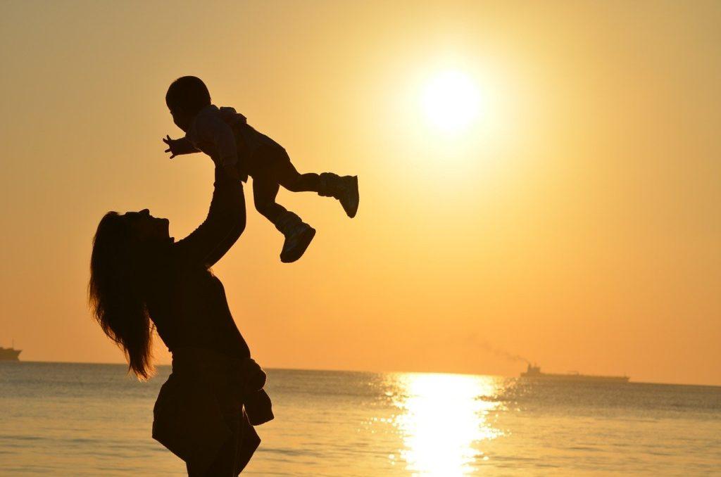 母乳育児中のCBDってどんな影響があるの?