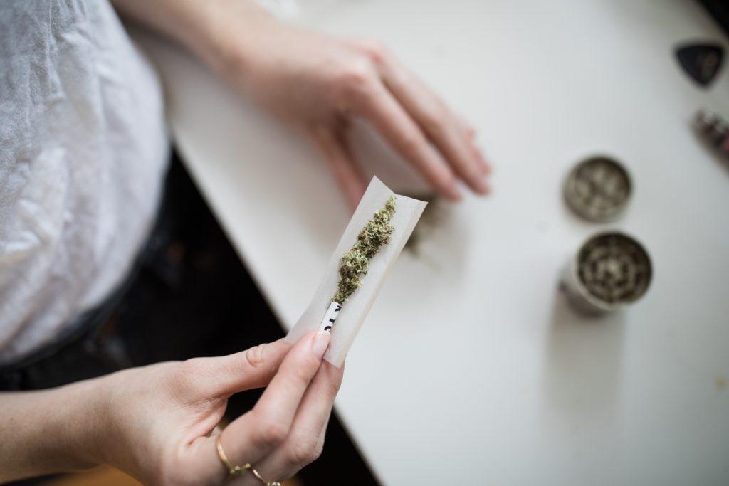 大麻フラボノイド